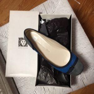 ANNE KLEIN NEW IN BOX Flats